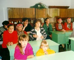 В школе деревни Верхний Потам. Там марикаршинце не хотят учиться