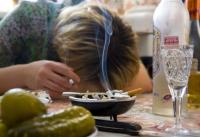 Дальнейшая алкоголизация России - путь к национальной катастрофе