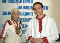 В Петербурге живет и работает Петрянь Андю (справа)