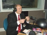 Геннадий Зюганов в радиостудии