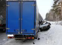 Служебная машина с милиционерами столкнулась с грузовой автомобилью