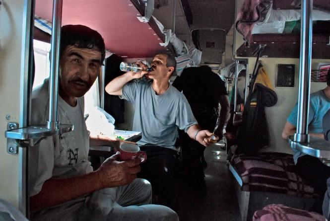 Поезд фото едет