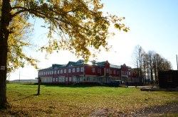 Новое здание Русскошойской школы