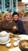 Наши замечательные женщины-марийки на праздничном ужине.