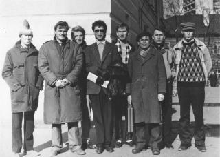 У ЖД вокзала Йошкар-Олы 1991 год, март слева направо: Т.Петухов, Я Прозес, четвертый В.Аликов, шестой В.Вершиин, восьмой Е.Чашкин.