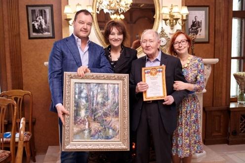 С детьми А.И. Садовина - сыном Владимиром и дочерью Мариной