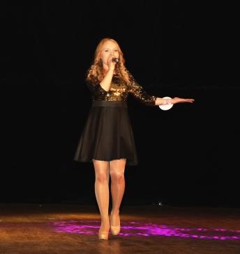 Ангелина Апаляева исполнила песню