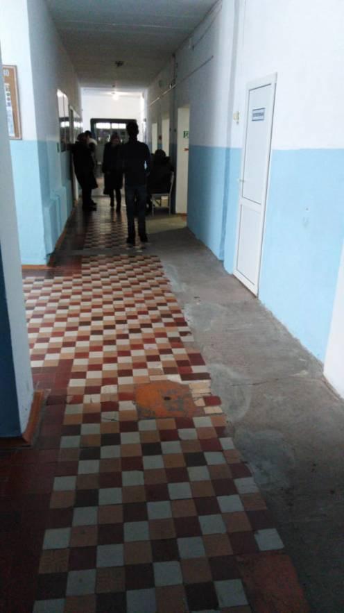 На первом этаже больницы